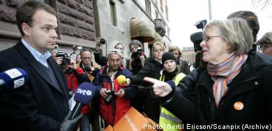 Swedish unions bleed members