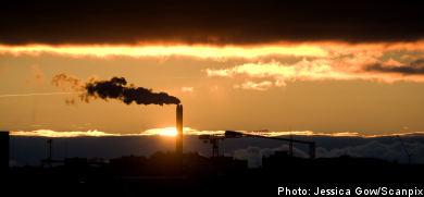 Climate commission remains split