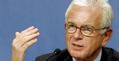 EU's Pöttering threatens Olympic boycott