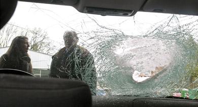 Autobahn motorist again targeted by falling debris