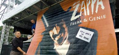 Zappa's widow sues German fan club