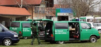 Police raid 'cosmic' German commune
