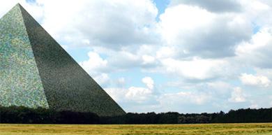 Dessau's gigantic burial pyramid