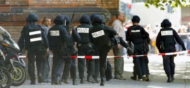 Police call off hunt for gunman at Berlin school