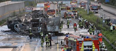 Autobahn inferno kills 5 and injures 6