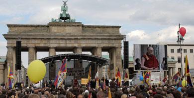 China warns Germany over Dalai Lama visit