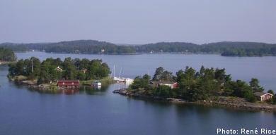 Island spotting on an Åland day cruise