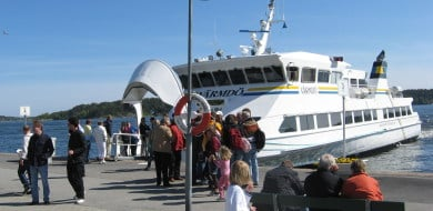 Ferry boat captains call off strike