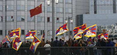 China angered by German visit with Dalai Lama