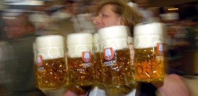 Oktoberfest 'maß' cost climbs over €8