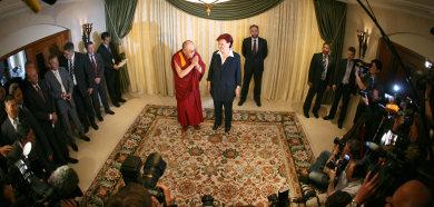 Dalai Lama meeting stirs storm in Berlin and Beijing