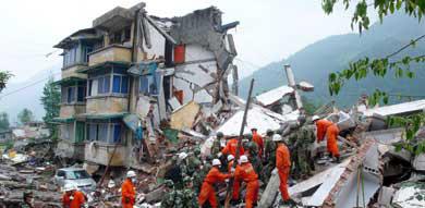German survives four days under China quake rubble