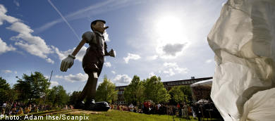 Giant Pinocchio unveiled in Borås