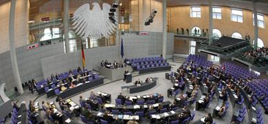 Critics slam German MP pay raise