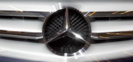 Daimler unveils share buyback plan