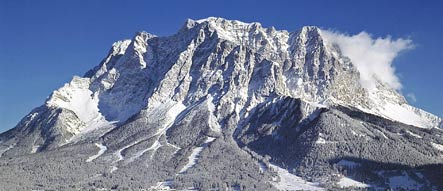German hiker falls to his death on Zugspitze