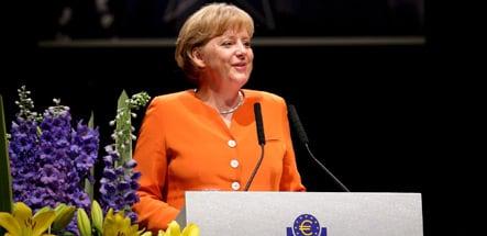 Dutch paper claims Merkel is Oranje fan