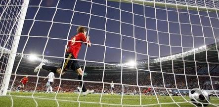 Spain defeats Germany to win Euro 2008