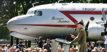 Pilots return for 60th Berlin Airlift anniversary