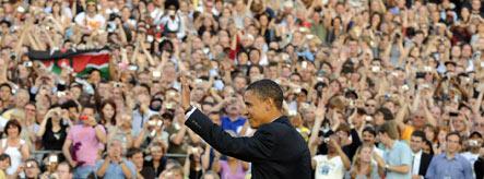 Obama dazzles over 200,000 in Berlin