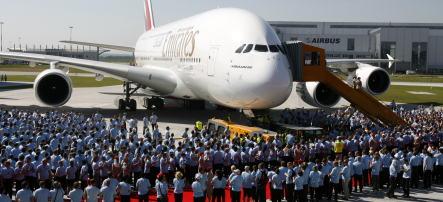 Emirates Airlines buys 60 Airbus planes