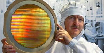 Infineon to cut 3,000 jobs amid heavy quarterly loss