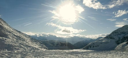 Experiment tries to slow Swiss glacier melt with giant screen