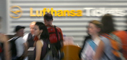 Lufthansa cancels 140 flights on Friday