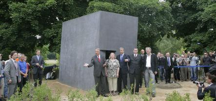 Gay holocaust victim memorial vandalized in Berlin
