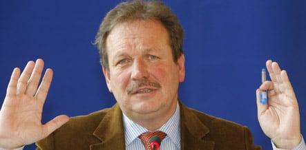 Head of Verdi labour union apologizes for taking free flights