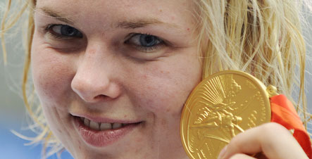 Steffen upsets Trickett for 100-metre freestyle gold