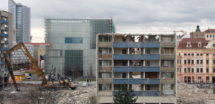 Official wants 50,000 empty west German flats demolished