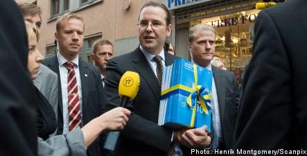 Borg presents 2009 budget to Riksdag