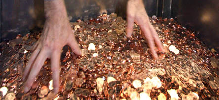 German man protests legal fine by paying 62 kilos in coins
