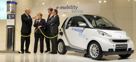 Daimler and RWE planning electric car network for Berlin
