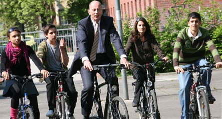 Tiefensee calls for expansion of urban bike traffic