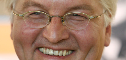 Steinmeier takes crown, ousts Beck to lead SPD