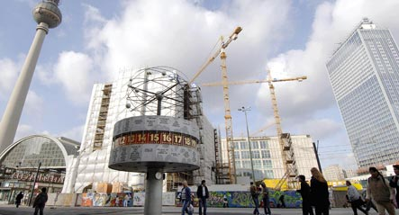 Berlin to give Alexanderplatz an extra scrubbing