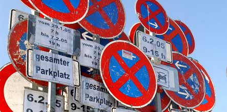 German states bicker over parking stripe colours