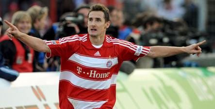 Klose breaks Bayern's winless streak as Hoffenheim tops league