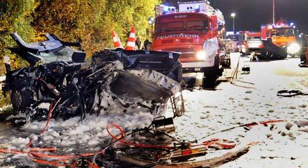 Two die in huge crash on A43 near Dülmen