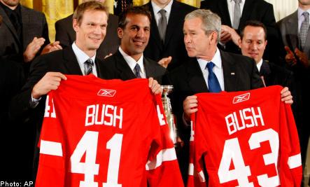 Jersey from Sweden's Lidström makes Bush a Redwing
