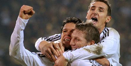 Ballack seals German win over Russia