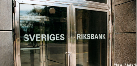 Riksbank sees 'light at end of the tunnel'