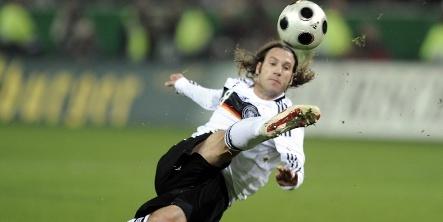 Frustrated Frings mulling leaving German national team