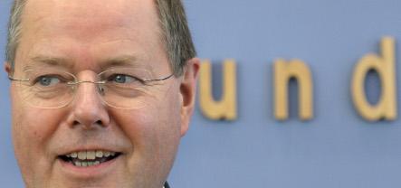Steinbrück: Berlin not mulling nationalizing banks – for now