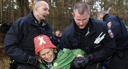 Police beat back anti-nuke protestors