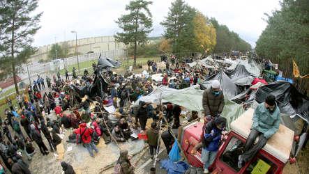 Anti-nuke activists continue transport blockades