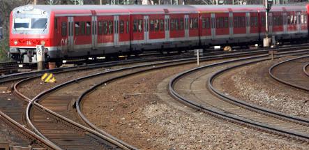 Baby born on Munich train gets lifelong ticket