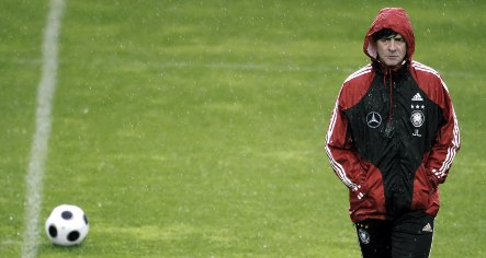 Löw to lay down the law ahead of England friendly